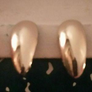Jewelry - Vintage Silver Teardrop Clip On Earrings.